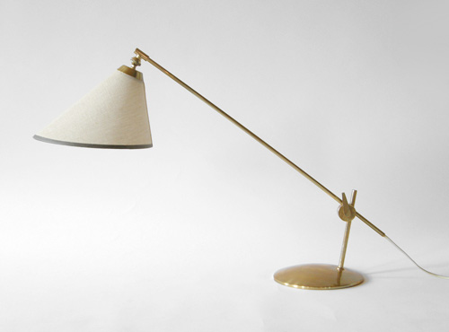 Cantilevered Br Desk Lamp